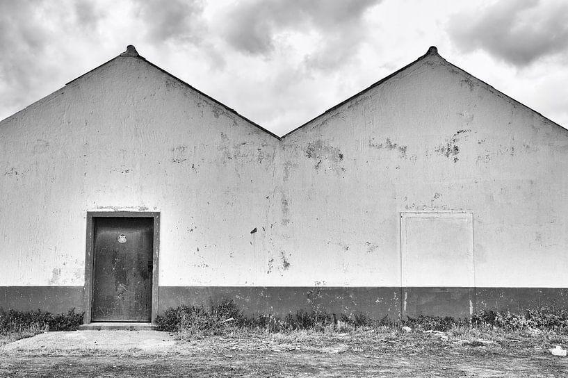 Oud pakhuis buitenkant van Jan Brons