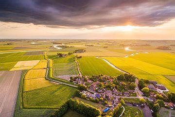 Zonsondergang boven Schouwerzijl von Frenk Volt