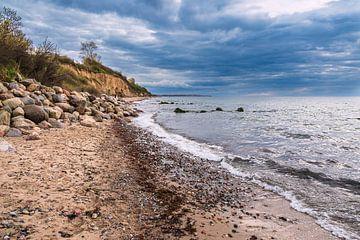 Pierres sur la côte de la mer Baltique près de Meschendorf sur Rico Ködder