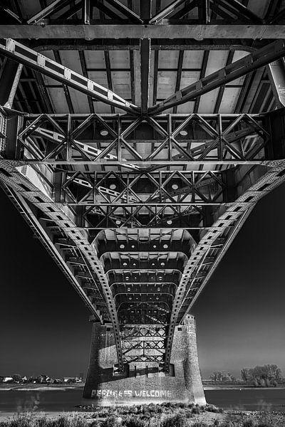 Waalbrug Nijmegen van Vincent de Moor