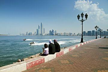 Luxuriöse und moderne Dubai Marina Wolkenkratzer, Dubai, Vereinigte Arabische Emirate von Tjeerd Kruse