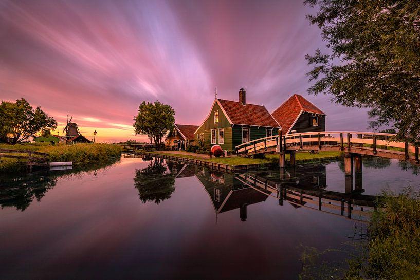 A summer sunset in Zaanse Schans van Costas Ganasos