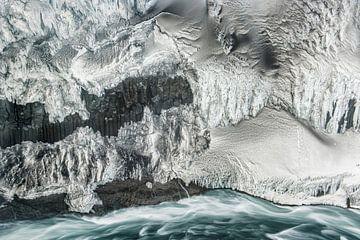 Muur van ijs van Loulou Beavers