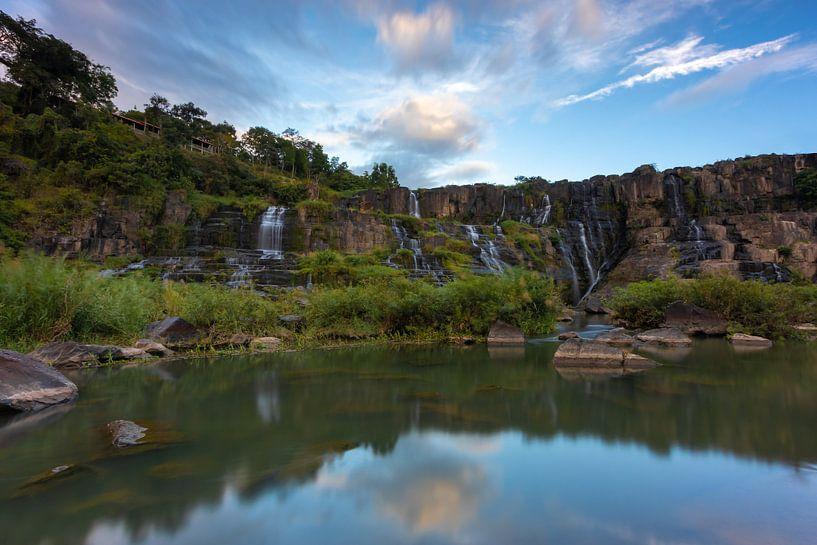 Pongour Waterfall - Da Lat, Vietnam van Thijs van den Broek
