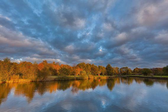 Warme herfstkleuren bij het Schildmeer