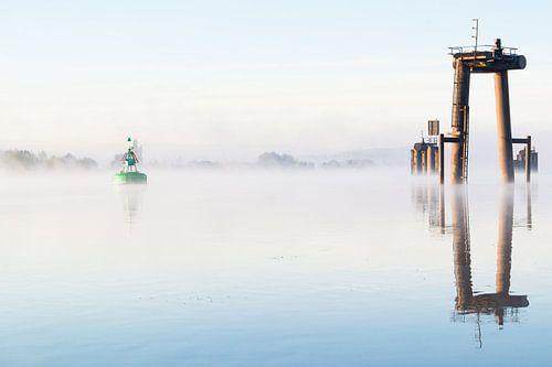 Misty shipyard von Kris Christiaens