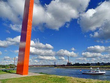 Blick auf das Rhein Orange van