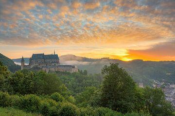 Burg Vianden in Luxemburg #1 von Michael Valjak