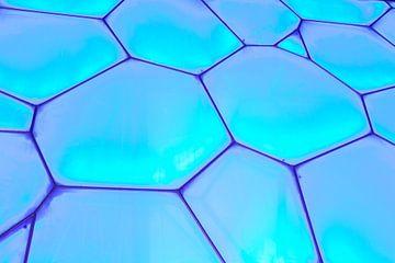 Frame met aqua blauwe doorzichtige plexiglas panelen van Tony Vingerhoets