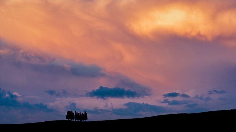 Tuscan Sunset II van Teun Ruijters