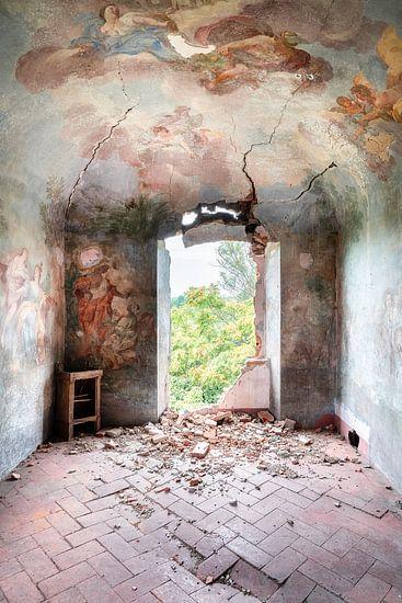Gemälde auf Verfallen Wand.