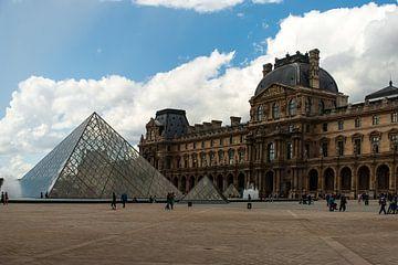 Le Louvre van