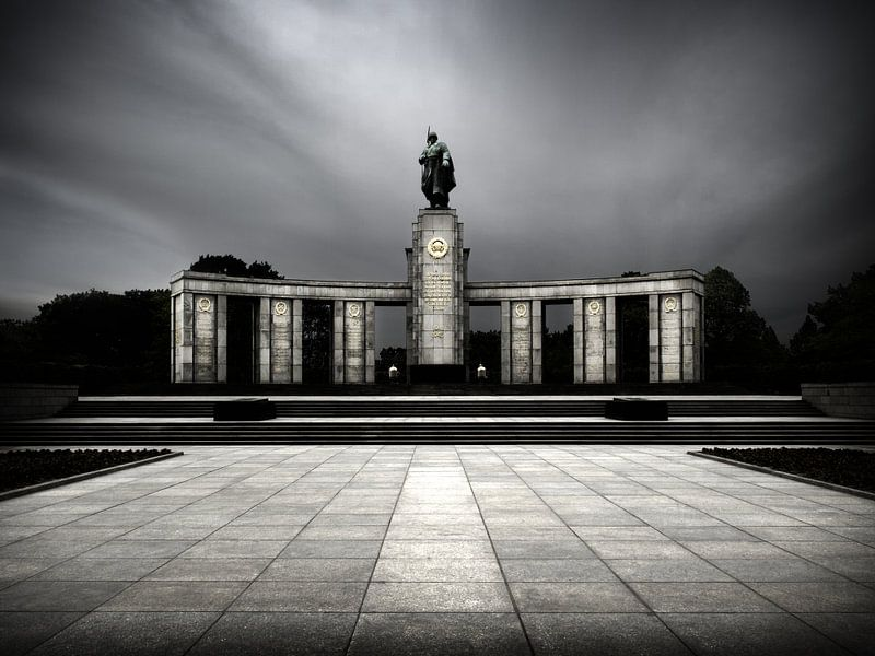 Berlin – Soviet War Memorial Tiergarten van Alexander Voss