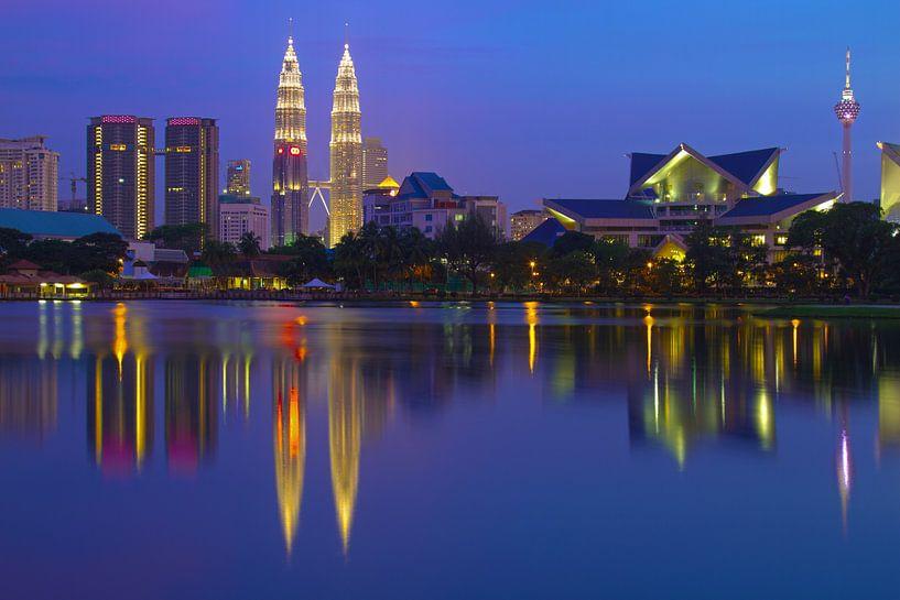 Kuala Lumpur Skyline van Jan van Dasler