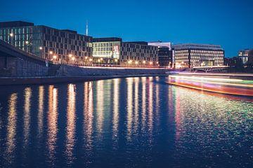 Berlin – Kapelle-Ufer bei Nacht von Alexander Voss