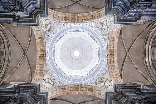 kerk ornamenten plafond