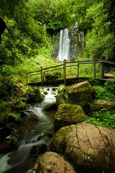 Anglard Waterfall - Puy de Dôme - France van Louis-Thibaud Chambon