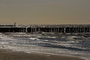 Wellenbrecher im Gegenlicht von René Groenendijk