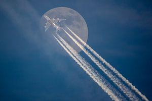 Mooncrosser van
