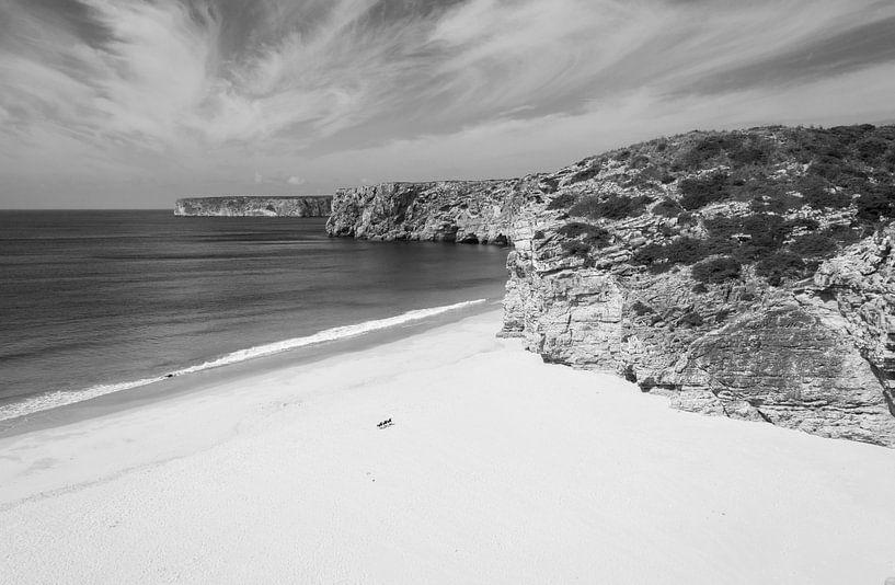 I love the beach van Marian Sintemaartensdijk