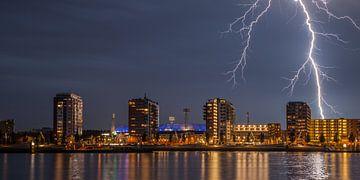 Stadion Feyenoord met onweer 1 van