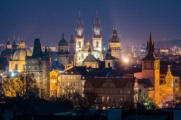 Blick auf Prag am Abend von Nic Limper