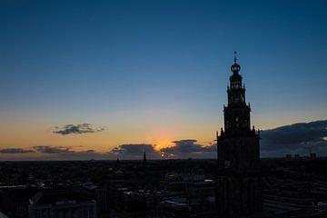 Blick über die Stadt Groningen bei Sonnenuntergang von Idema Media