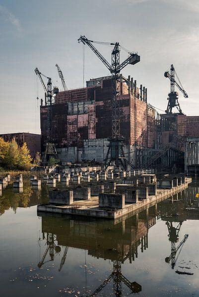 Unvollendeter Block 5 des Kernkraftwerks Tschernobyl von Robert Ruidl