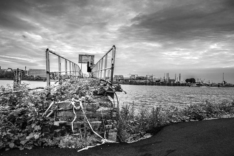 Urbex dans le port de Rotterdam sur Ton de Koning