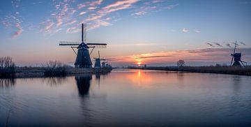 Sonnenaufgang bei Kinderdijk - die Niederlande von Rene Siebring