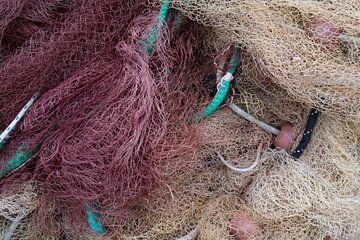 Rood en wit vissersnet van Daan Kloeg