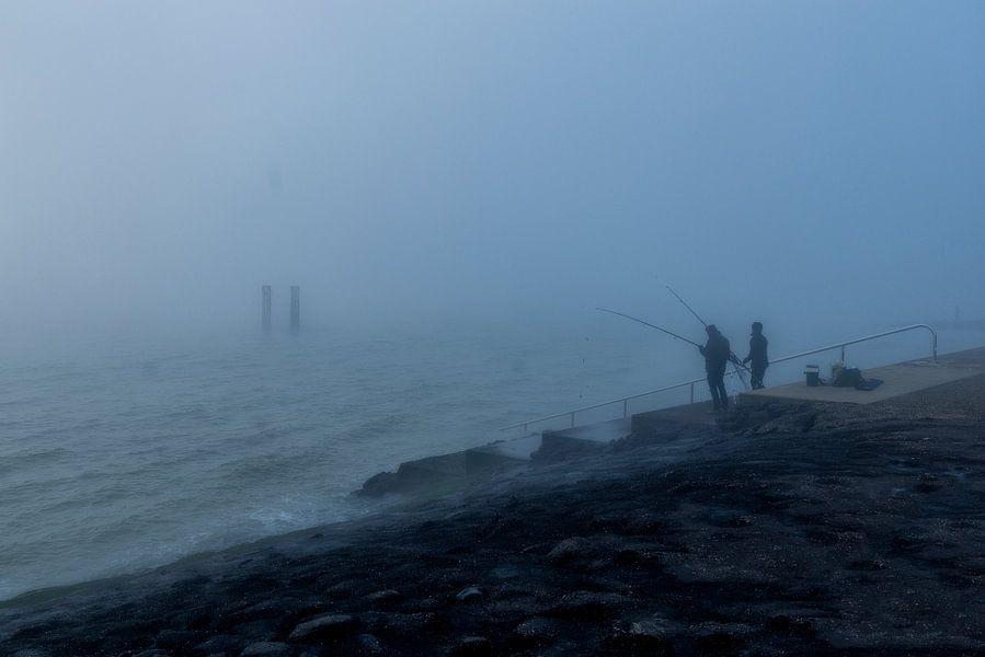 Vissers in de mist.