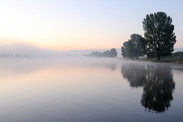 Stille morgen aan de Maas van R. Maas