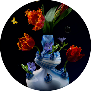 "Royal Flora ""Tulp"" modern bloemstilleven van Sander Van Laar"