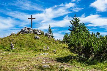Gipfel des Prediktstuhls mit Kreuz im Berchtesgadener Land von Rico Ködder