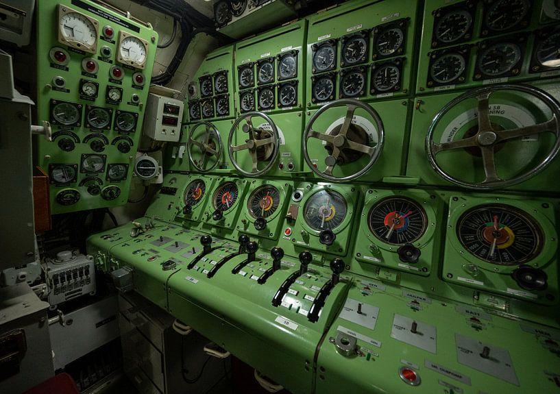 Instrumententafel eines U-Bootes von Michel Knikker