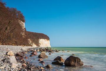 Krijtrotsen aan de kust van de Oostzee op het eiland Rügen van Rico Ködder