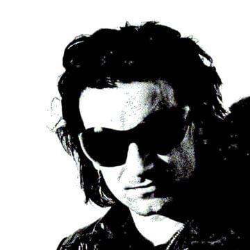 BONO mit schwarzer Sonnenbrille von