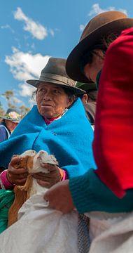 Ecuador: Marktkoopvrouw (Guamote) van Maarten Verhees