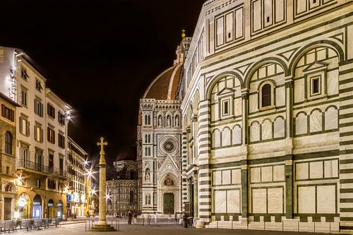 FLORENCE Saint Mary of the Flowers & Baptistery in the evening