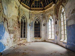 Kasteel / Chateau Hogemeyer, België - Urbex / plafond / blauw / glas in lood / ramen  / verval van