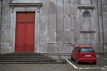 Red and grey van Omri Raviv