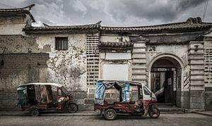 Ein Haufen alter Tuk-Tuks in China.
