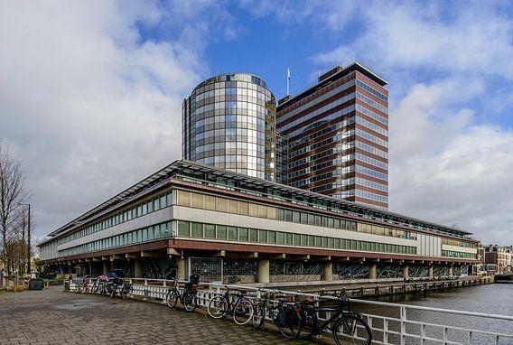 Het gebouw van de Nederlandse Bank in Amsterdam.. van Don Fonzarelli