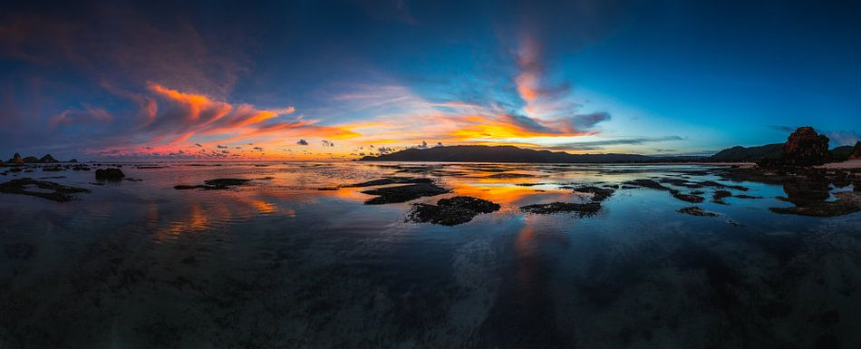 Kuta Lombok zonsondergang van Andy Troy