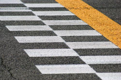Monza finish line van
