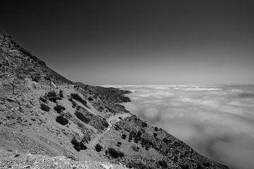 Meernebel an der Küste von Karpathos, Griechenland von Peter Baak
