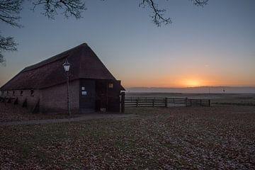 Zonsondergang bij de Schaapskooi op de Edese hei van Cilia Brandts