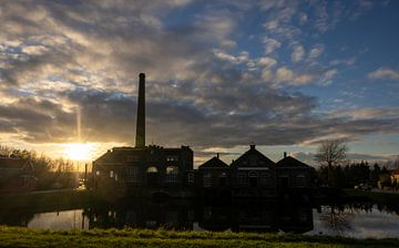 Dampfmaschinenmuseum bei Sonnenuntergang von Rik Brussel