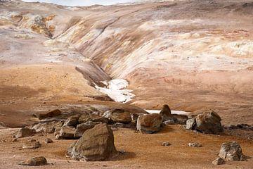 IJsland bruin landschap van Annelies Huijzer